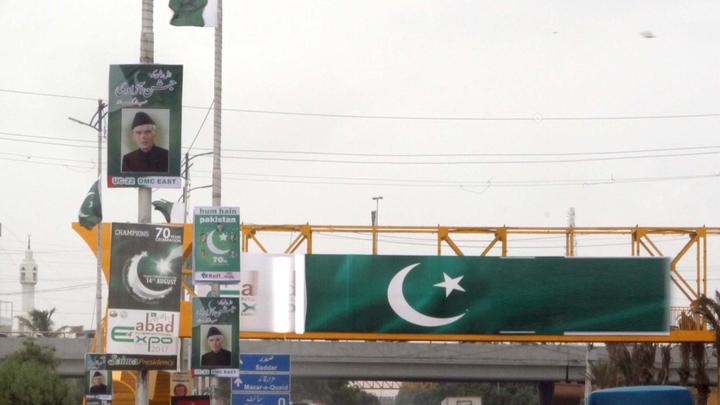 В Пакистане взорвался грузовик с фруктами, ранены более 30 человек