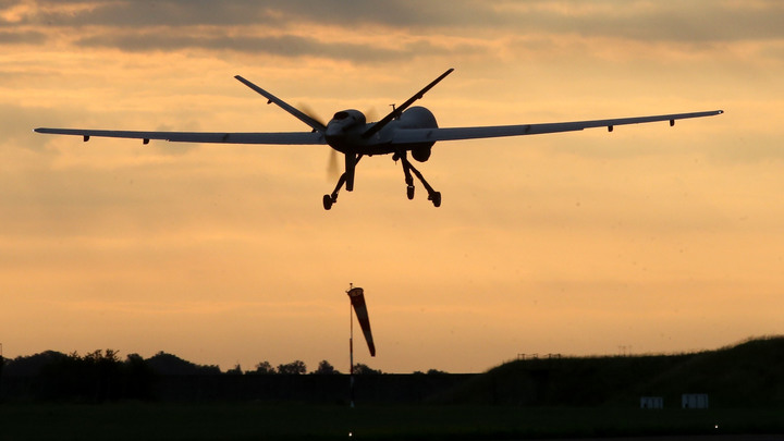 Иранский беспилотник напугал американский истребитель при посадке на авианосец