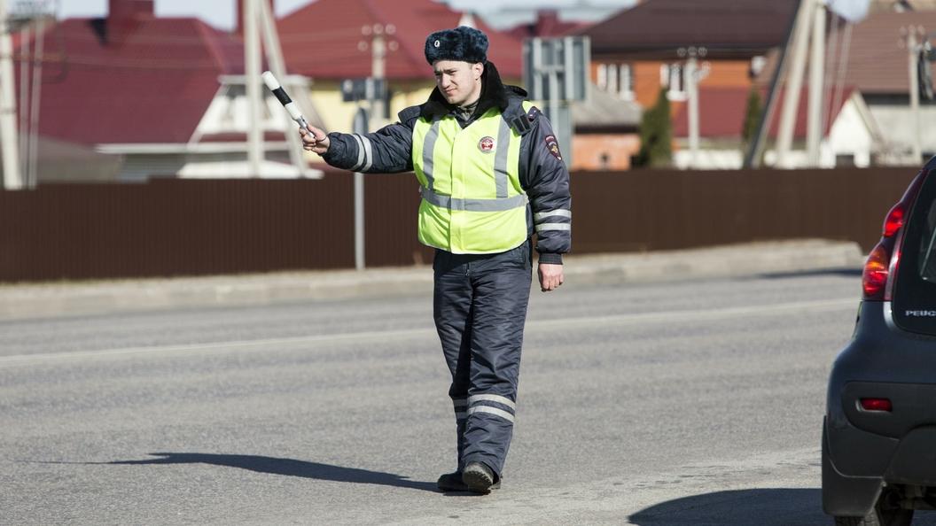 Употреблявший пиво за рулем инспектор ГИБДД проспорил 300 тысяч рублей