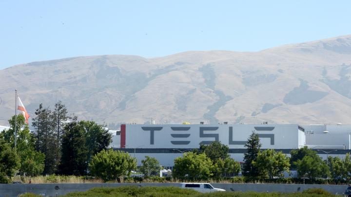 Tesla хочет создать грузовики-беспилотники