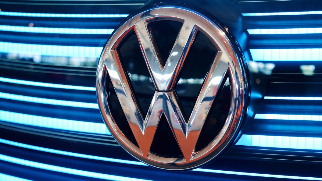 Новейший Volkswagen Touareg попался в объективы фотошпионов