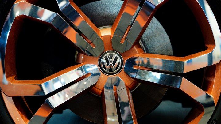 Миниатюрный Volkswagen T-Roc получил двухцветное оформление