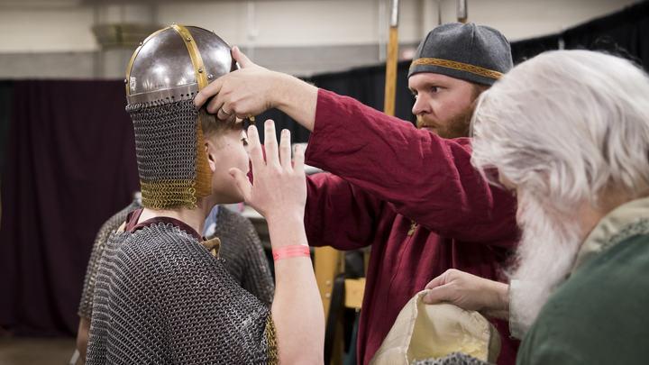 Найденная в Дании крепость викингов X века опровергла мифы об их дикости