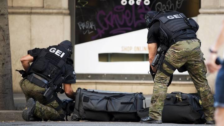 Полиция Каталонии: Водитель фургона остается на свободе