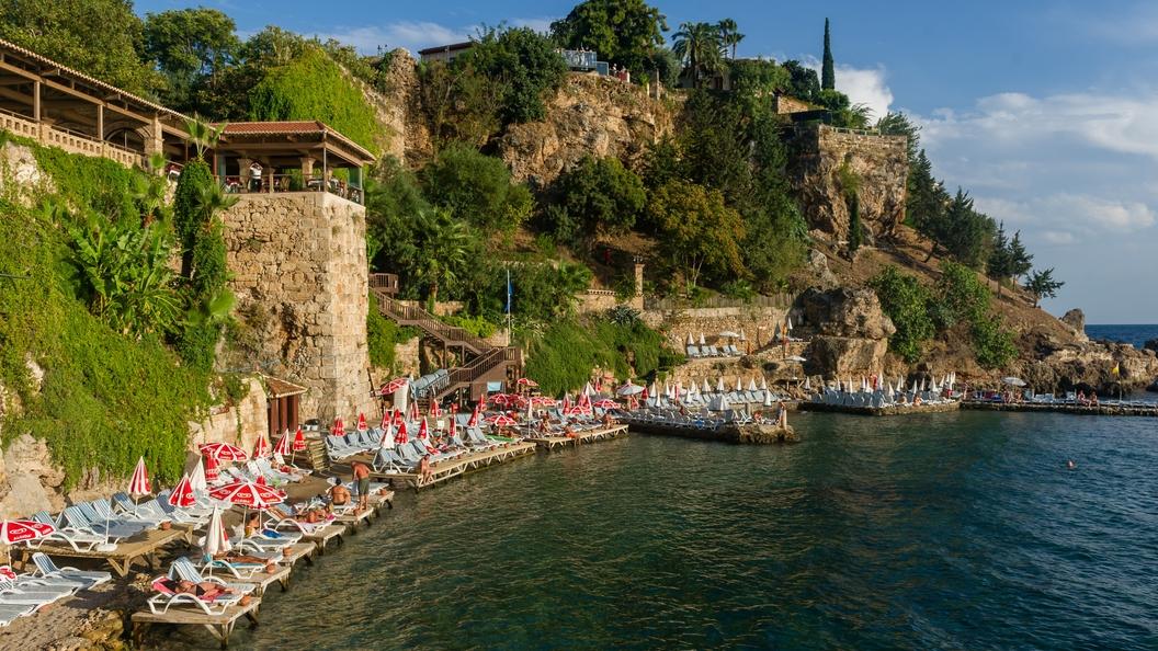 Число пострадавших при ДТП в Турции российских туристов выросло до 11