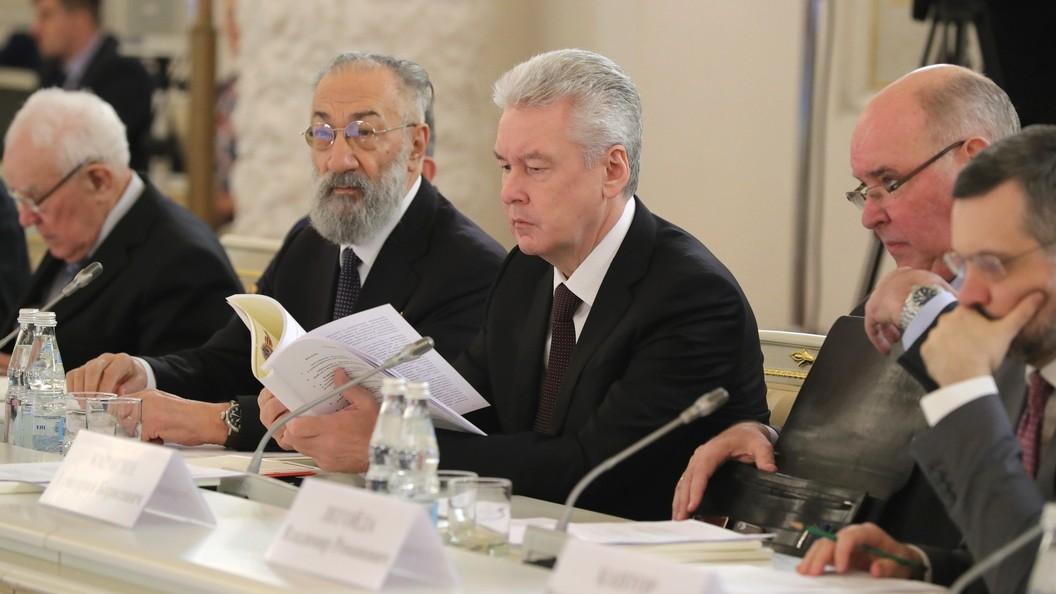 Собянин пообещал избавить улицы Москвы от строительных заборов