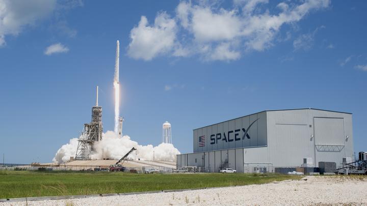 У SpaceX возникли проблемы с созданием марсианского корабля