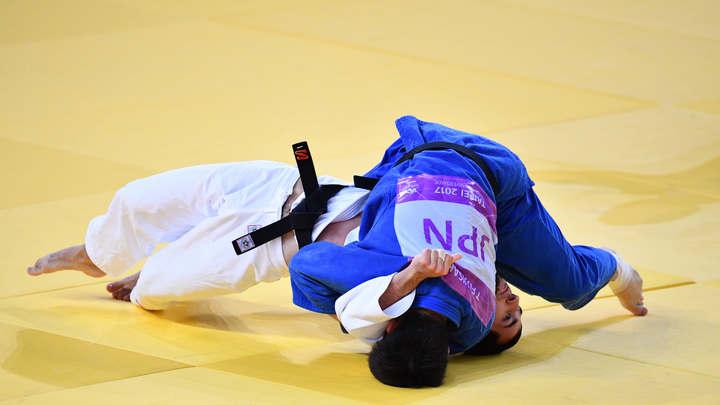 Альберт Огузов принес российской сборной бронзовую медаль в дзюдо