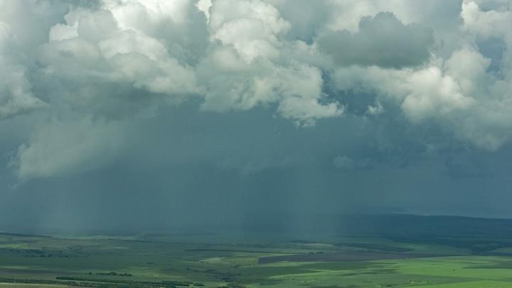 Петербург и Ленобласть накроет стеной дождей