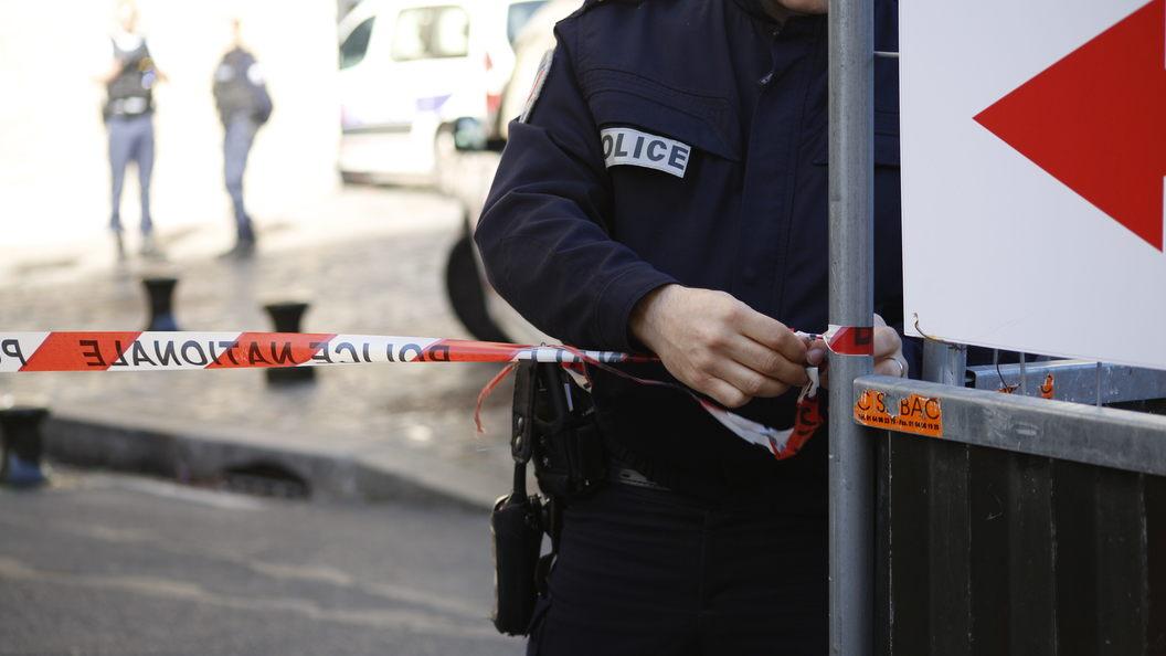 В Амстердаме оцепили улицу из-за взрывного устройства