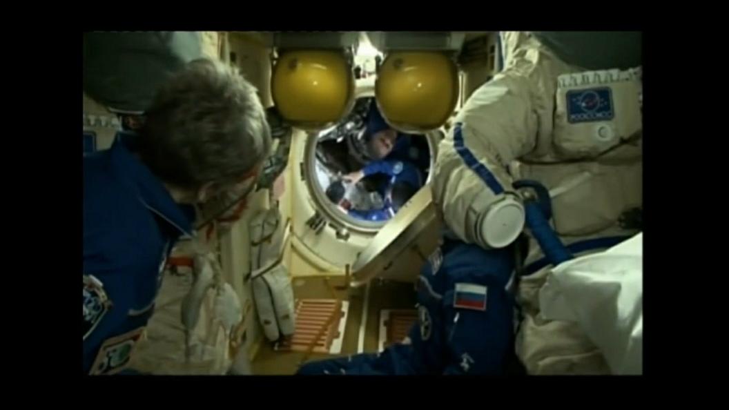 Меню просто космос: Астронавты на МКС питаются черной икрой