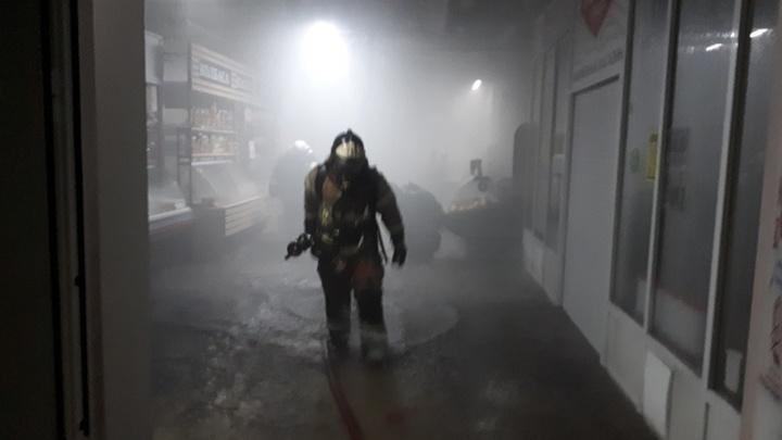 Ночью во Владимире случился пожар в торговом центре Восток 1