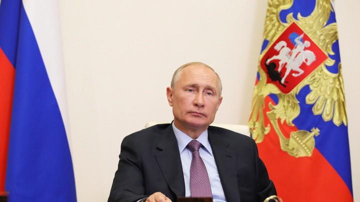 Никогда такого в России не будет!: Путин прокомментировал радугу на здании посольства США