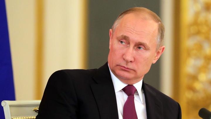 Путин не намерен менять Конституцию России