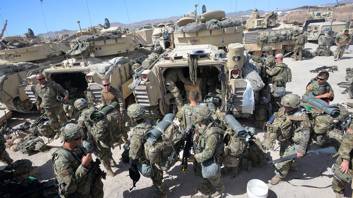 Америка наблюдает. Всегда наблюдает: Военные США, уходя с сирийской базы, сделали предупреждение русским