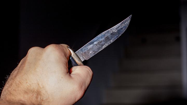 В Бердске мужчина зарезал 29-летнюю жену и ранил своего отца