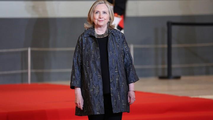 США приложили руку: Захарова напомнила слова Клинтон об Афганистане