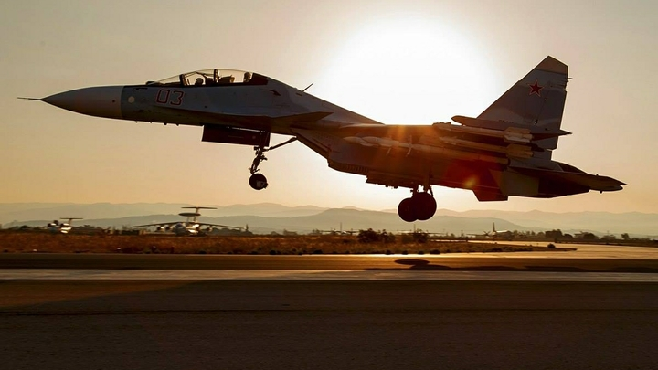 Не НЛО, а российский истребитель: Минобороны показало Су-30СМ во всей красе