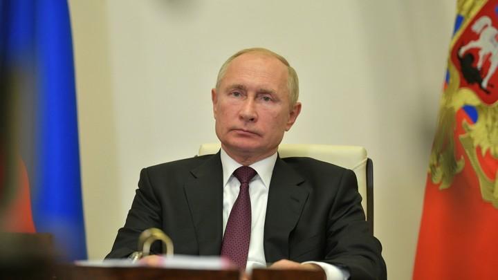 Самолет Владимира Путина приземлился в Пулково