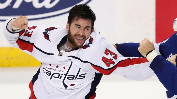 «Вашингтон» продлил договор сканадским хоккеистом Уилсоном