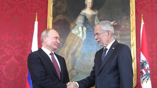 Будем рады: Путин пригласил президента Австрии посетить Москву