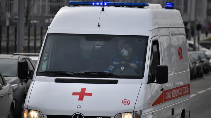 Получил перелом основания черепа: Воронежский врач, заболевший COVID-19, выпал из окна больницы