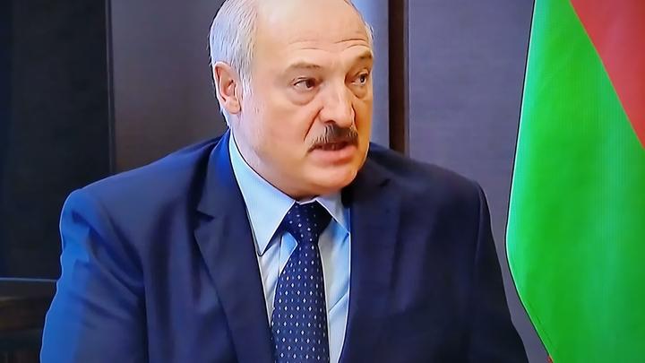 Лукашенко получил прозрачный намёк от Путина. Без слов