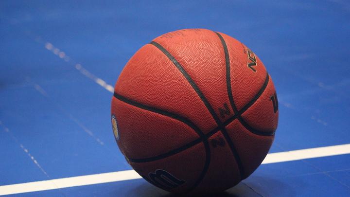 Баскетболист Гранд-Рапидс Драйв Зеке Апшоу скончался после приступа во время игры
