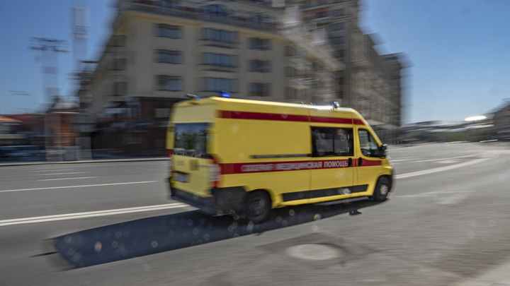 Успела сделать один звонок с предупреждением: В Москве захвачен банк с заложниками - источник