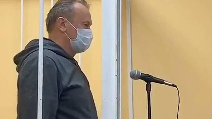 Подозреваемого в коррупции главу Выборгского района отправили под домашний арест до 12 ноября