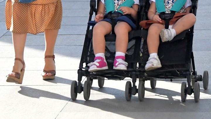 В Иванове на переходе сбили детскую коляску с девочками-двойняшками