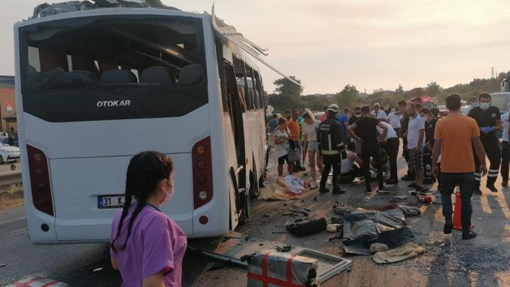Трое русских погибли в результате аварии с автобусом в Турции