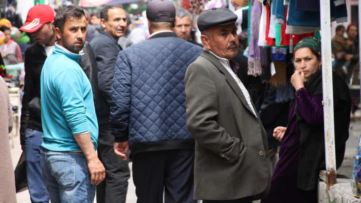 Таджикистан объявил войну русским суффиксам. А выиграли этнические ОПГ Москвы