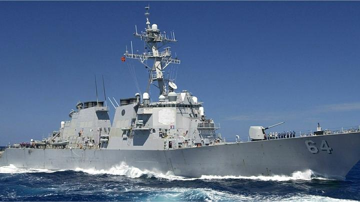 Эсминец НАТО, вооружённый Томагавками, снова поплыл из Литвы в сторону границы с Россией