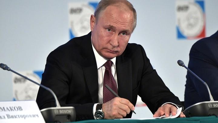 Традиционно вопрос – ответ: Помощник Путина назвал тему, на которой заострит внимание президент на ПМЭФ