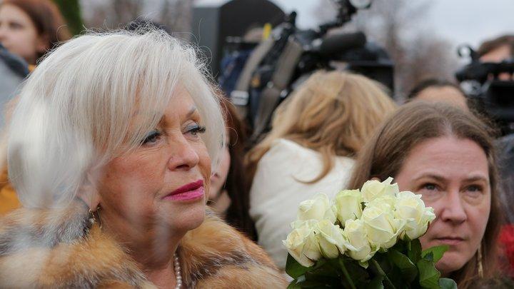 Пенсия на одну сосиску: Вдова Караченцова сказала, от чего у неё трясутся руки