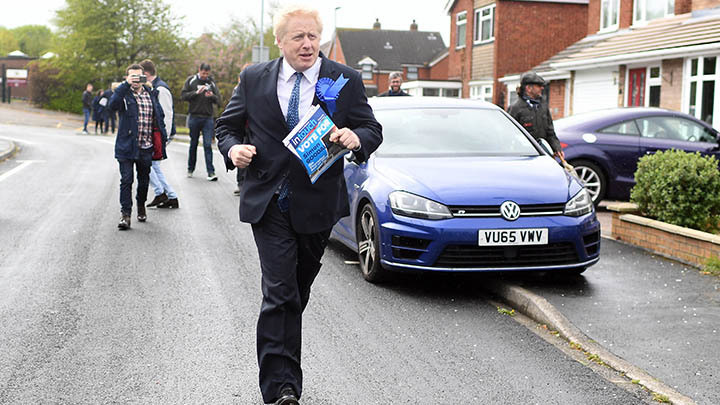 Журналистское расследование по-британски: В центре внимания прессы оказались носки Бориса Джонсона