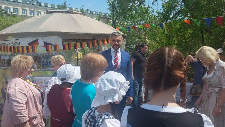 По пути Людей и Солнца: в День России Царьград Забайкалье прошел с губернатором по площади
