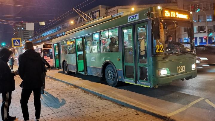 В Новосибирске перевозчик рассказал о нападении с ножом в автобусе