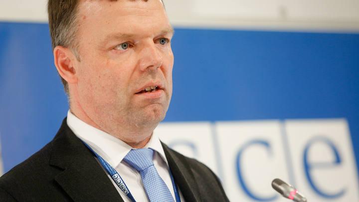 Александр Хуг: Миссия ОБСЕ в Донбассе готова помочь с обменом пленными