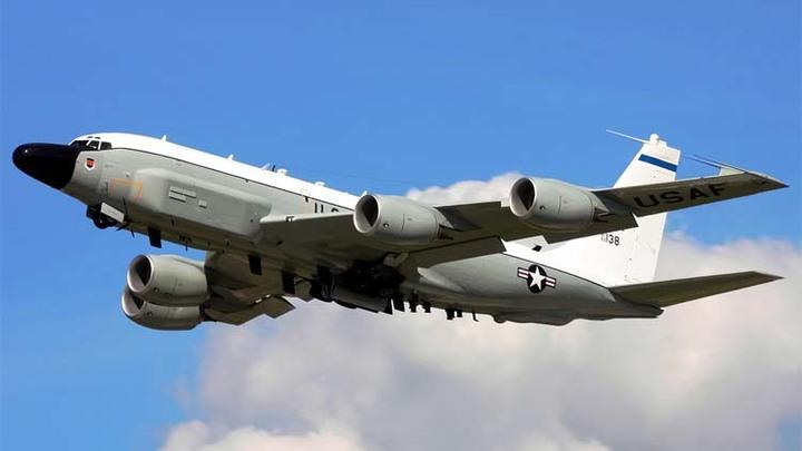 Американский самолет-разведчик подлетел к российской базе в Сирии - в поисках С-300