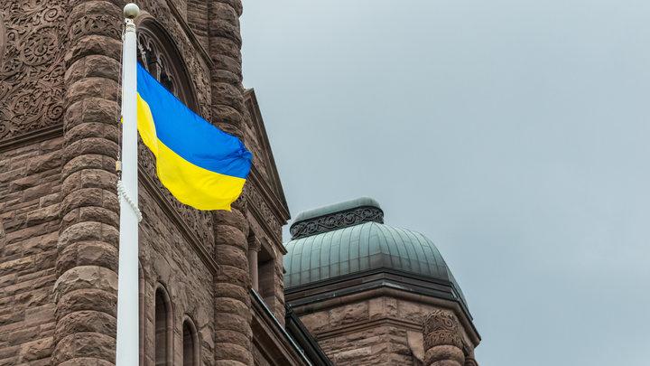 В Киеве сотрудники университета стали «заложниками» неизвестных людей в форме