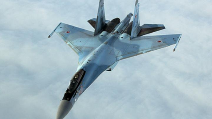 Русские зажали с двух сторон Poseidon ВМС США: Су-35 не дали американцам ни шанса на манёвр