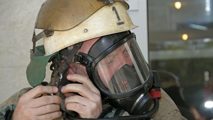 В Ростовской области пожарные вытащили из горящего дома шесть человек