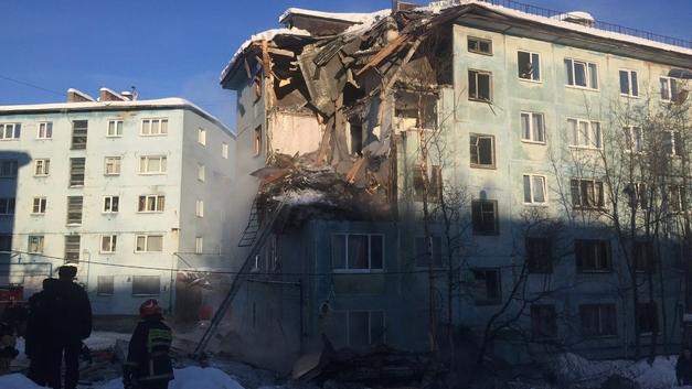 СК подозревает, что дом в Мурманске взорвал его же жилец