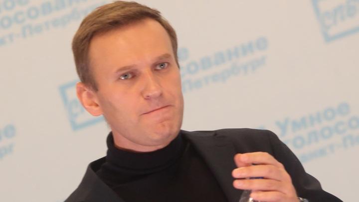 Как Навальный слил фигурантов московского дела: Названа сумма, которую блогер потратил на поездки за границу