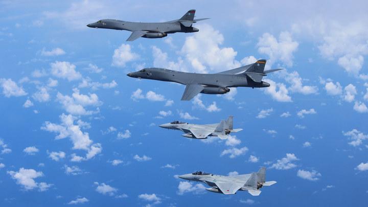 Катапульта подвела: ВВС США отправили на землю стратегические бомбардировщики