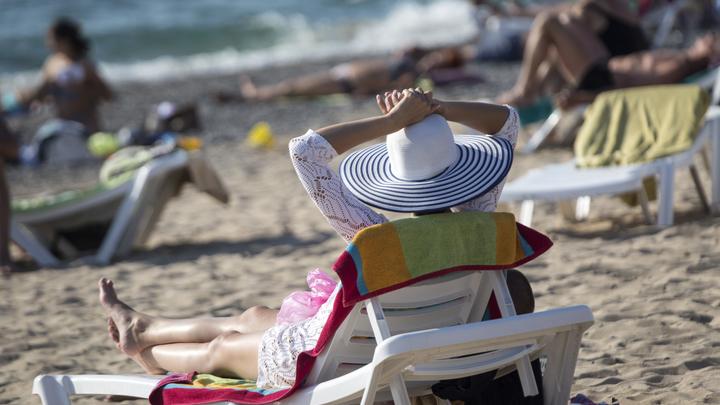 Раньше июля в Крым не получится? План открытия сезона отпусков одобрили наверху