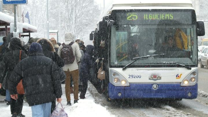 Новосибирец рассказал о загоревшемся в троллейбусе сидении
