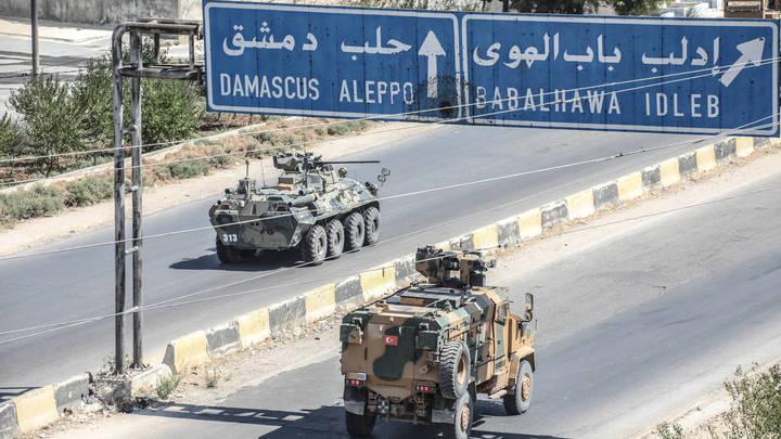 Боевики атаковали российско-турецкую колонну в Идлибе. Есть пострадавшие